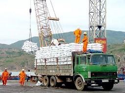 Bộ Công Thương hạn chế nhập khẩu phân bón