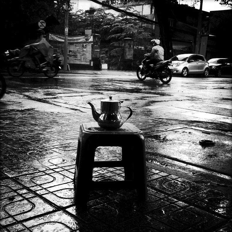 Mưa Sài Gòn qua ống kính điện thoại