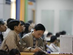 Cổ phiếu giảm mạnh sau tin CPI, VN-Index xuống 490 điểm