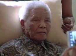 Sức khỏe cựu tổng thống Nelson Mandela rất nguy kịch