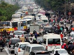 Lệ phí trước bạ ôtô tại Hà Nội giảm còn 10%?