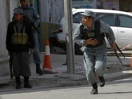 Dinh tổng thống Afghanistan bị tấn công