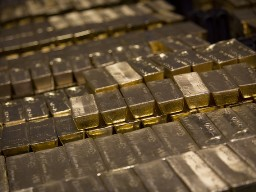 Giá vàng rơi tự do xuống sát 1.246 USD/oz
