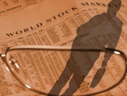 VN-Index giảm hơn 1% khi PMI tháng 6 xuống thấp nhất 11 tháng