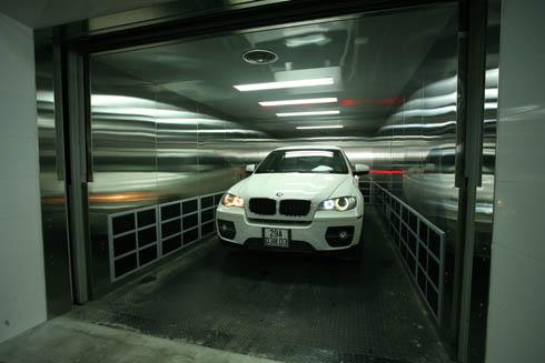 Cận cảnh showroom 100 tỷ đồng của BMW tại Hà Nội