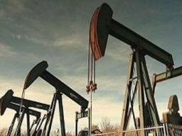 Giá dầu thô lên cao nhất 8 phiên