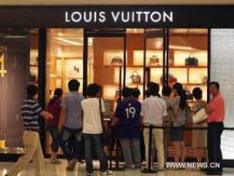 Người Việt mê hàng hiệu thứ 3 thế giới