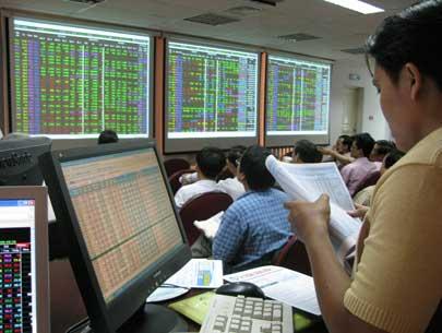 KDC thỏa thuận 1 triệu cổ phiếu, thị trường hồi phục sau 4 phiên giảm