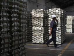Indonesia nới lỏng quy định chất lượng thiếc xuất khẩu