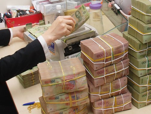 Vietcombank bất ngờ giảm lãi suất huy động về 5%/năm