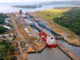Panama chặn tàu Triều Tiên vì nghi chở tên lửa
