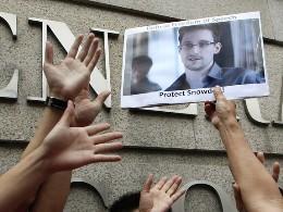 Snowden nộp đơn xin tị nạn tạm thời tại Nga