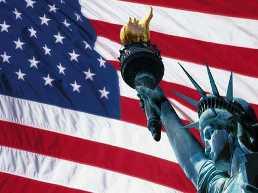 Moody's nâng triển vọng xếp hạng tín dụng Mỹ lên ổn định