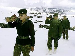 Lính lục quân Trung Quốc xâm nhập lãnh thổ Ấn Độ