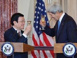 Chủ tịch nước dự tiệc trưa với Ngoại trưởng Mỹ