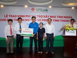 VPBank trao 500 triệu đồng xây nhà tình nghĩa cho cựu thanh niên xung phong tỉnh Thanh Hóa