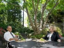 Bữa trưa hiếm hoi giữa tổng thống Obama và cựu ngoại trưởng Hillary