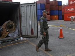 Panama phát hiện thêm nhiều động cơ máy bay trên tàu Triều Tiên