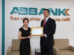ABBank nhận giải thanh toán quốc tế xuất sắc từ Wells Fargo