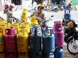 Giá gas, sữa tại TPHCM cùng tăng kể từ 1/8
