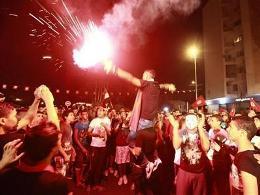 Hàng chục nghìn người Tunisia biểu tình đòi lật đổ chính phủ