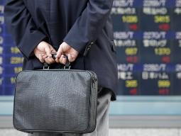 Chứng khoán Nhật Bản lao dốc do yên tăng vọt