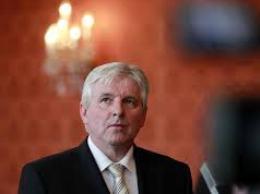 Chính phủ Séc có nguy cơ sụp đổ sau thất bại bỏ phiếu bất tín nhiệm