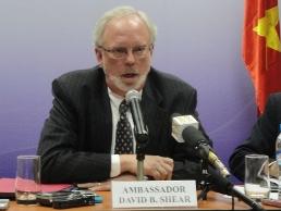 Mỹ xem xét nghiêm túc bỏ cấm bán vũ khí sát thương cho Việt Nam