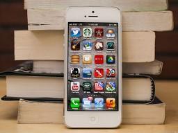 Vì sao Apple phát triển iPhone giá rẻ?