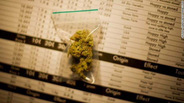 """Thuốc phiện, mại dâm và du lịch tại Amsterdam: Ranh giới """"đúng luật"""" và """"phạm luật"""""""