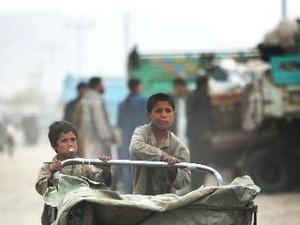 Châu Á: Tăng trưởng kinh tế chưa giúp giảm nghèo