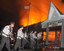 Bạo loạn ở Indonesia, 30 tù nhân vượt ngục