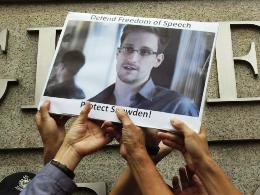 Báo Guardian bị yêu cầu xóa mọi dữ liệu về Snowden