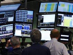 Bloomberg công bố kết quả điều tra thu thập thông tin khách hàng
