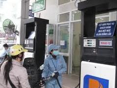 Liên Bộ Tài chính - Công thương yêu cầu giảm giá xăng 300 đồng/lít
