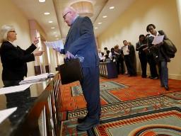 Số đơn xin trợ cấp thất nghiệp Mỹ thấp nhất hơn 5 năm