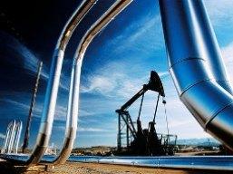 Số liệu thị trường nhà ở Mỹ đẩy giá dầu tăng mạnh nhất 2 tuần