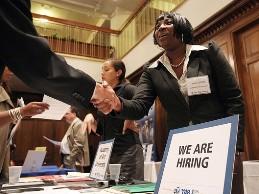 Số người xin trợ cấp thất nghiệp ở Mỹ thấp nhất 6 năm