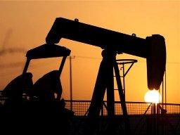 Giá dầu thô giảm chờ Quốc hội Mỹ cho tấn công Syria