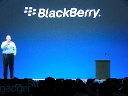 Bloomberg: Sau Nokia, Microsoft muốn mua cả BlackBerry