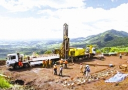 Vụ mua bán tài nguyên chấn động châu Phi