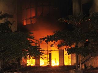 Cháy lớn thiêu rụi Trung tâm thương mại Hải Dương