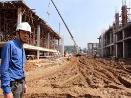 Cận cảnh dự án 5.000 tỷ đồng ngập bùn đất