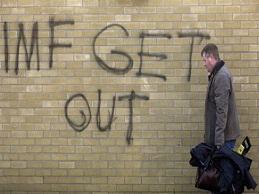 Cộng hòa Ireland thoát khỏi suy thoái kinh tế