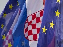 Tân thành viên EU bị Fitch hạ bậc xếp hạng tín dụng