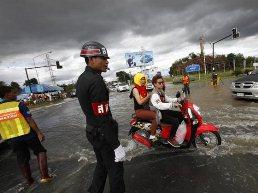 Lũ lụt nhấn chìm Thái Lan