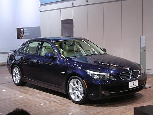 BMW triệu hồi các mẫu xe 5 series vì lỗi đèn