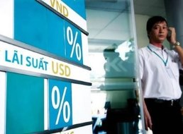 NHNN: Chưa thể bỏ hẳn trần lãi suất dù ngân hàng dư thừa vốn