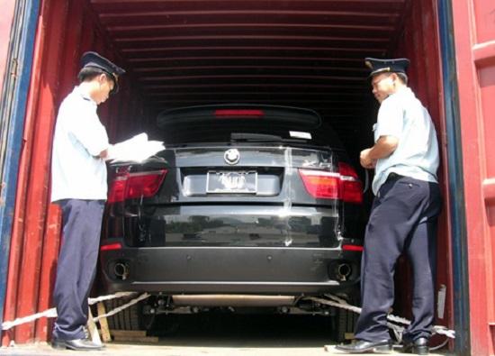 Xe Việt kiều hồi hương tăng gần 600% trong năm 2012