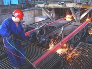 Tồn kho 316.000 tấn, ngành thép sản xuất cầm chừng